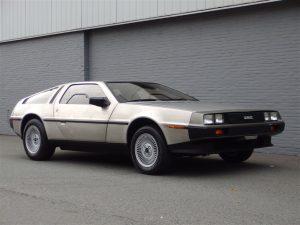 DeLorean DMC-12 1981 (Collectors Item & Very Good Condition)