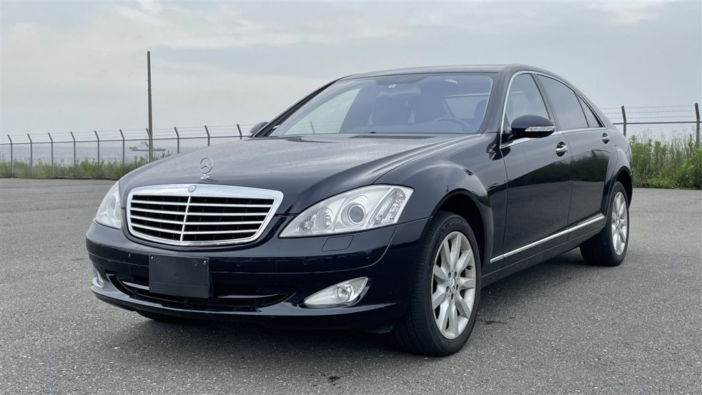 Mercedes S500 2005 (Beautiful Condition & Nice Color Combination)