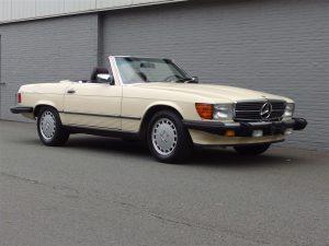 Mercedes 560 SL 1987 (Straight Body & EU Headlights)